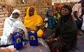 Distribution de radios aux réfugiés, aux déplacées et aux femmes de la région